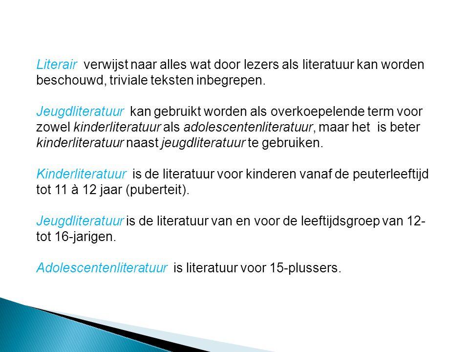 Literair verwijst naar alles wat door lezers als literatuur kan worden beschouwd, triviale teksten inbegrepen.