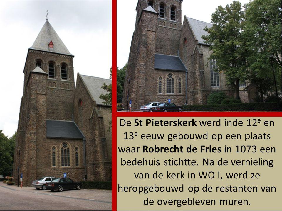De St Pieterskerk werd inde 12e en 13e eeuw gebouwd op een plaats waar Robrecht de Fries in 1073 een bedehuis stichtte.