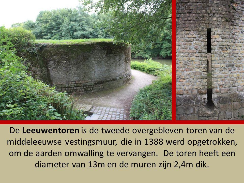 De Leeuwentoren is de tweede overgebleven toren van de middeleeuwse vestingsmuur, die in 1388 werd opgetrokken, om de aarden omwalling te vervangen.