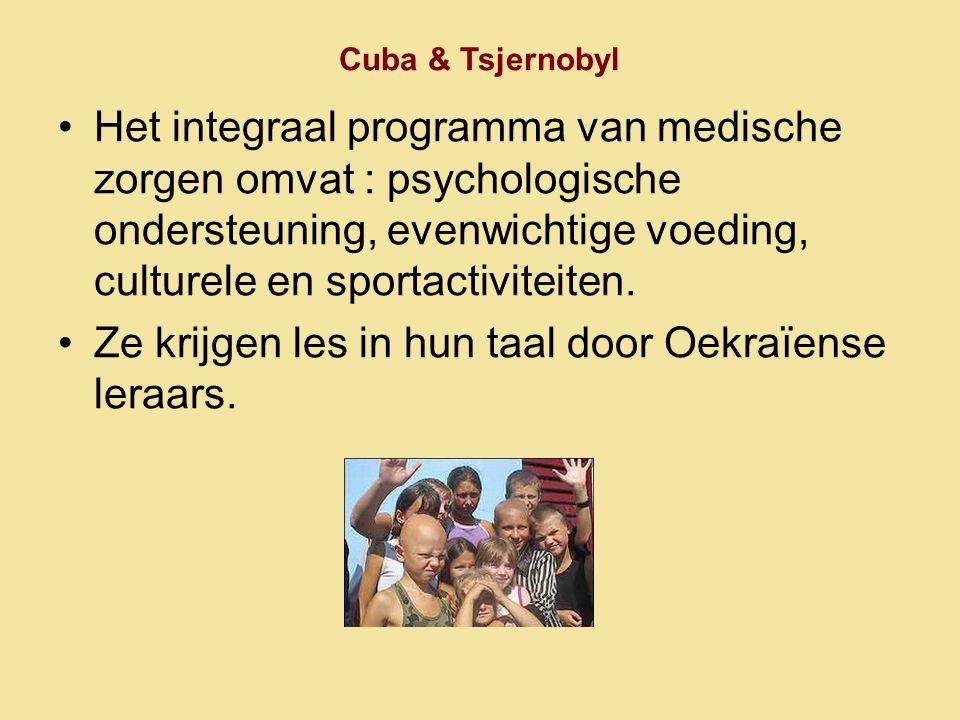 Ze krijgen les in hun taal door Oekraïense leraars.