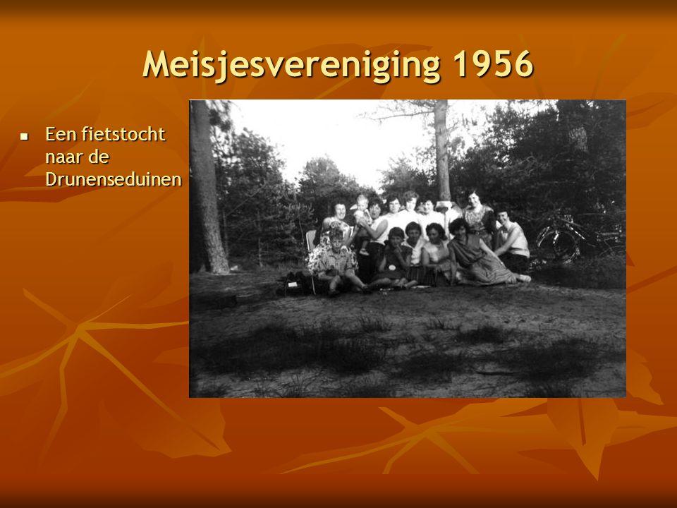 Meisjesvereniging 1956 Een fietstocht naar de Drunenseduinen