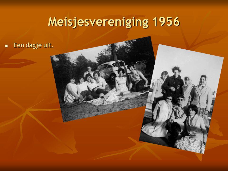 Meisjesvereniging 1956 Een dagje uit.