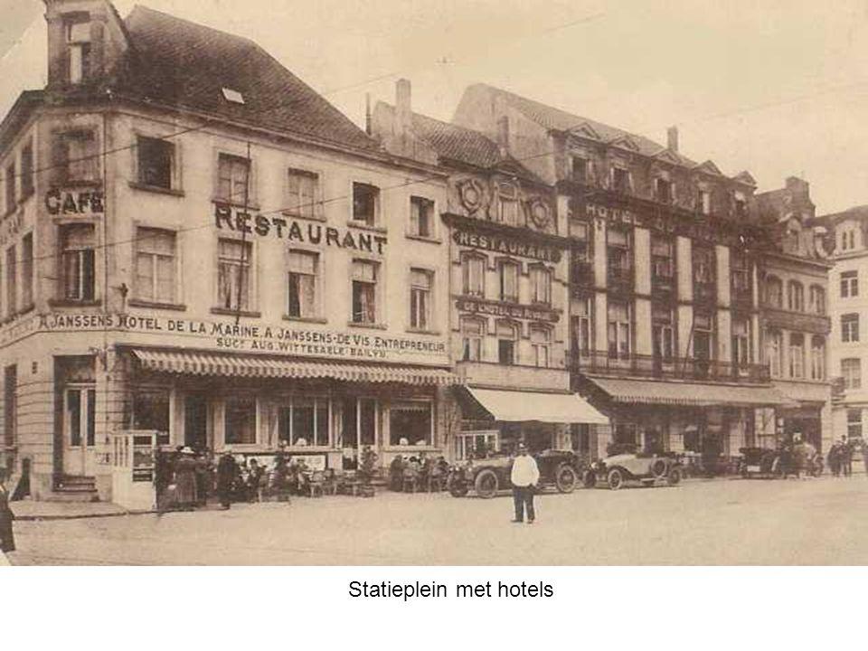 Statieplein met hotels