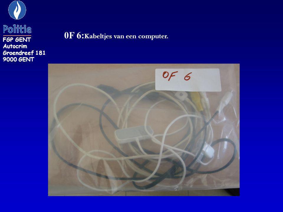 0F 6:Kabeltjes van een computer.