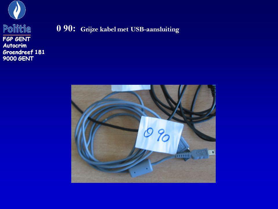 0 90: Grijze kabel met USB-aansluiting