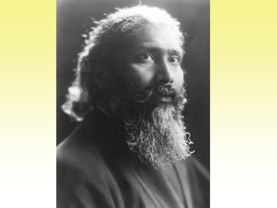 Inayat Khan werd op 5 juli 1882 geboren in het familiehuis te Baroda (India), waar geestelijke waarden en muziek in hoog aanzien stonden.