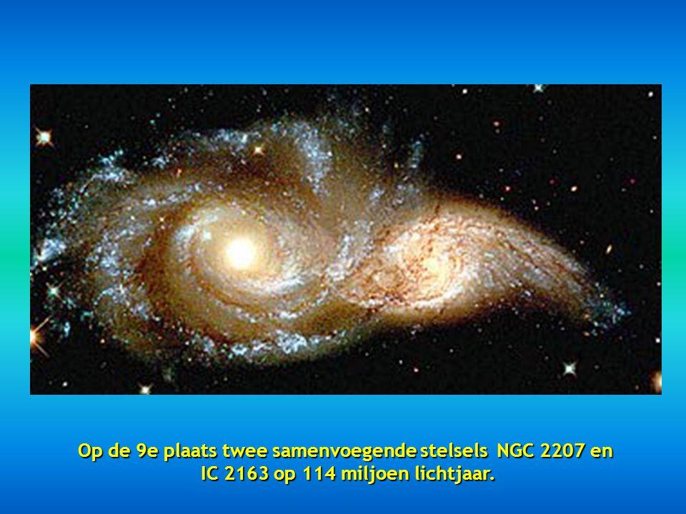 Op de 9e plaats twee samenvoegende stelsels NGC 2207 en