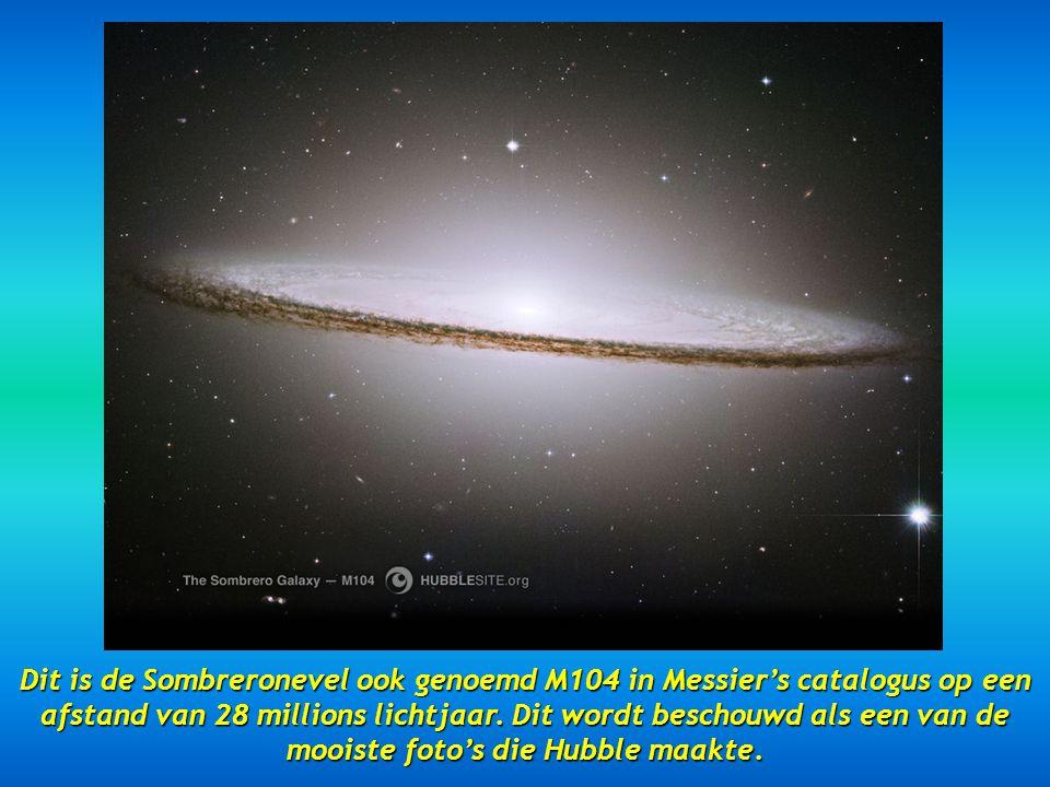 Dit is de Sombreronevel ook genoemd M104 in Messier's catalogus op een afstand van 28 millions lichtjaar.