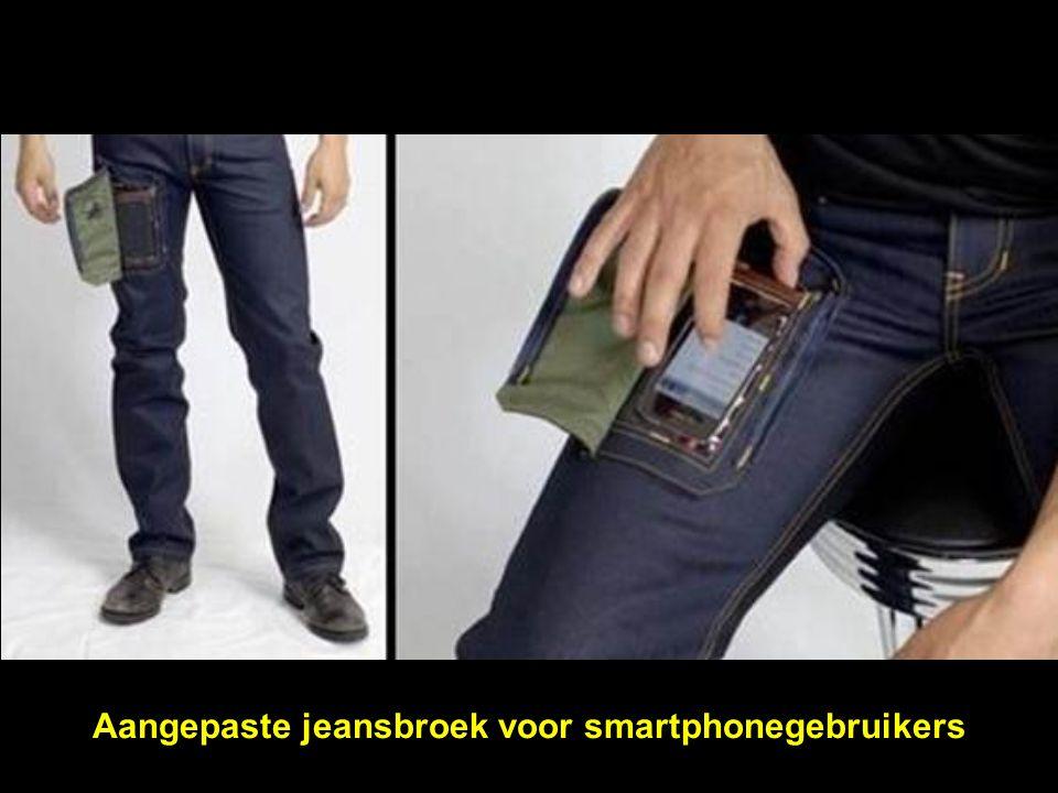 Aangepaste jeansbroek voor smartphonegebruikers