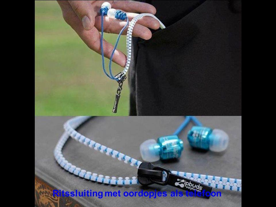 Ritssluiting met oordopjes als telefoon