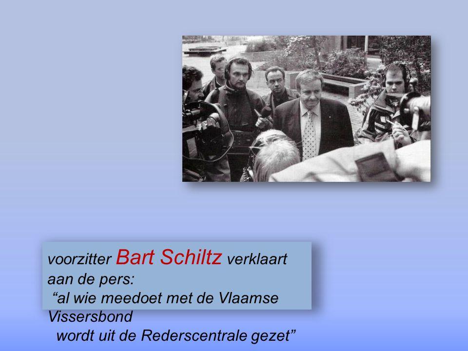 voorzitter Bart Schiltz verklaart aan de pers:
