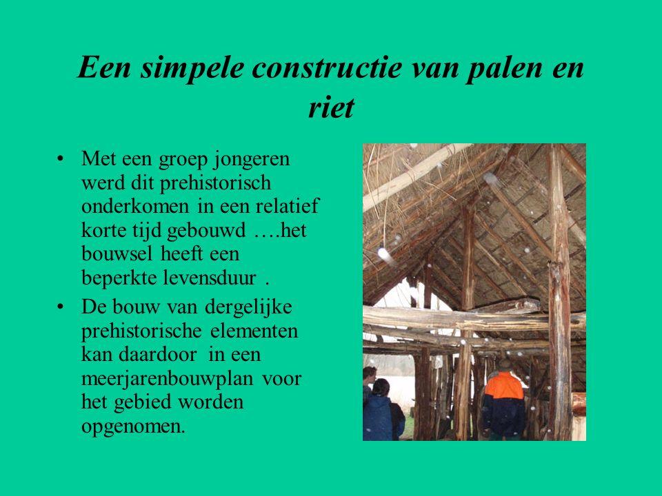 Een simpele constructie van palen en riet
