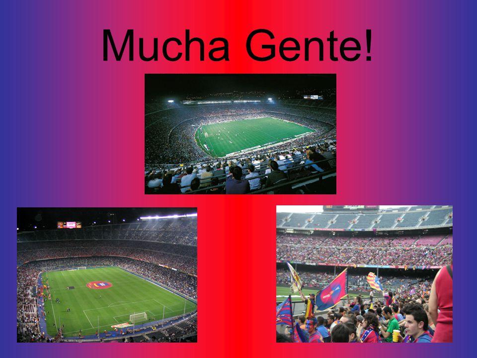 Mucha Gente!