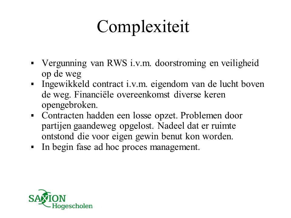 Complexiteit Vergunning van RWS i.v.m. doorstroming en veiligheid op de weg.