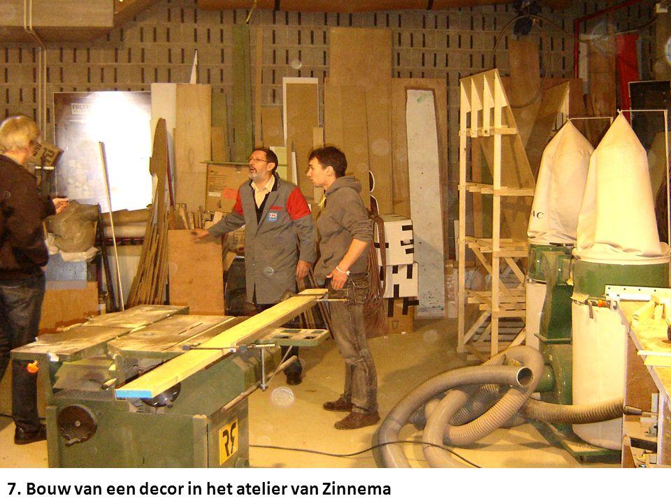 7. Bouw van een decor in het atelier van Zinnema