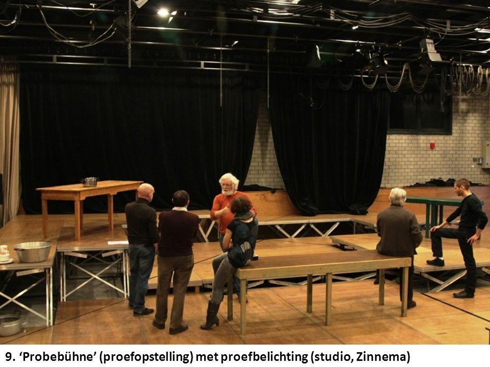 9. 'Probebühne' (proefopstelling) met proefbelichting (studio, Zinnema)