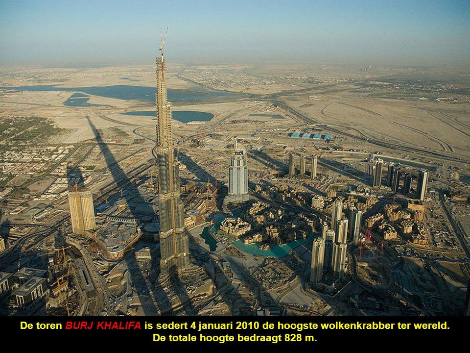 De totale hoogte bedraagt 828 m.