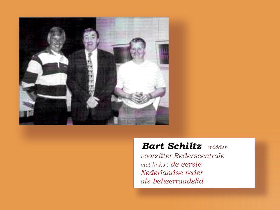 Bart Schiltz midden voorzitter Rederscentrale met links : de eerste
