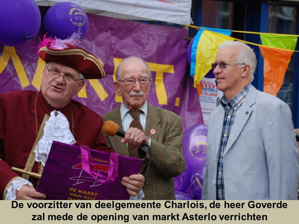 De voorzitter van deelgemeente Charlois, de heer Goverde