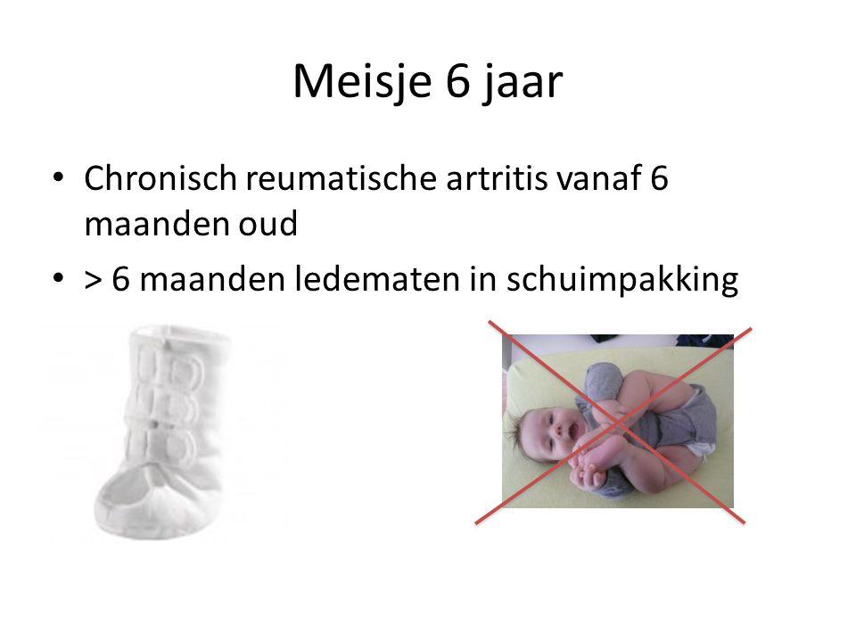 Meisje 6 jaar Chronisch reumatische artritis vanaf 6 maanden oud