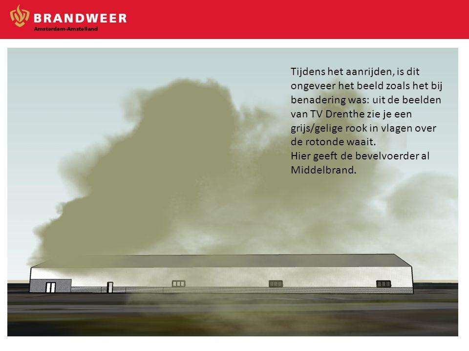 Tijdens het aanrijden, is dit ongeveer het beeld zoals het bij benadering was: uit de beelden van TV Drenthe zie je een grijs/gelige rook in vlagen over de rotonde waait.
