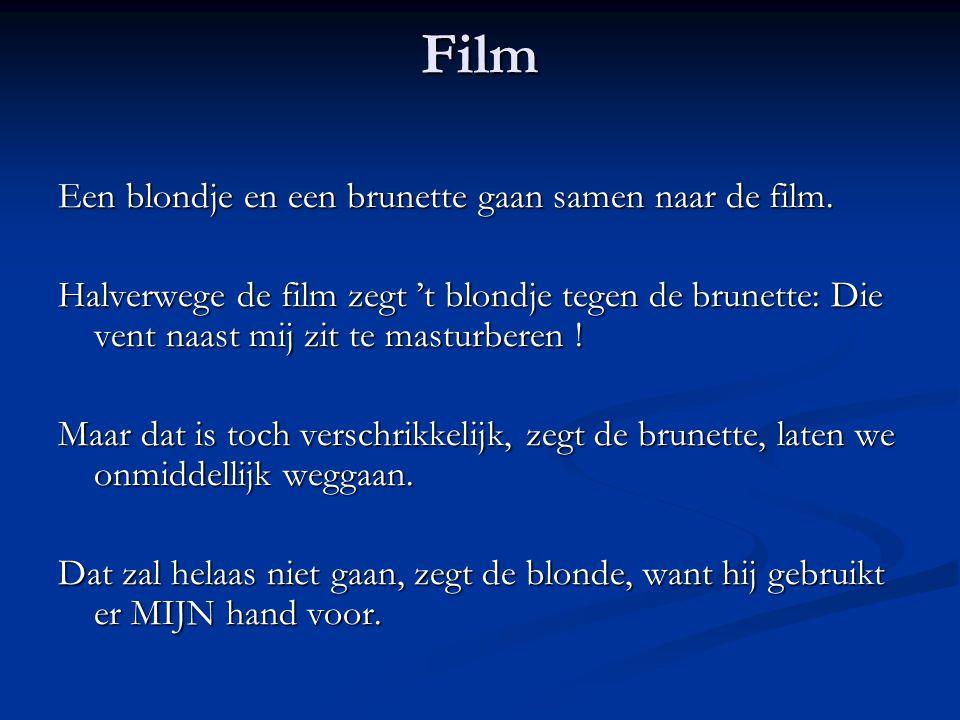 Film Een blondje en een brunette gaan samen naar de film.