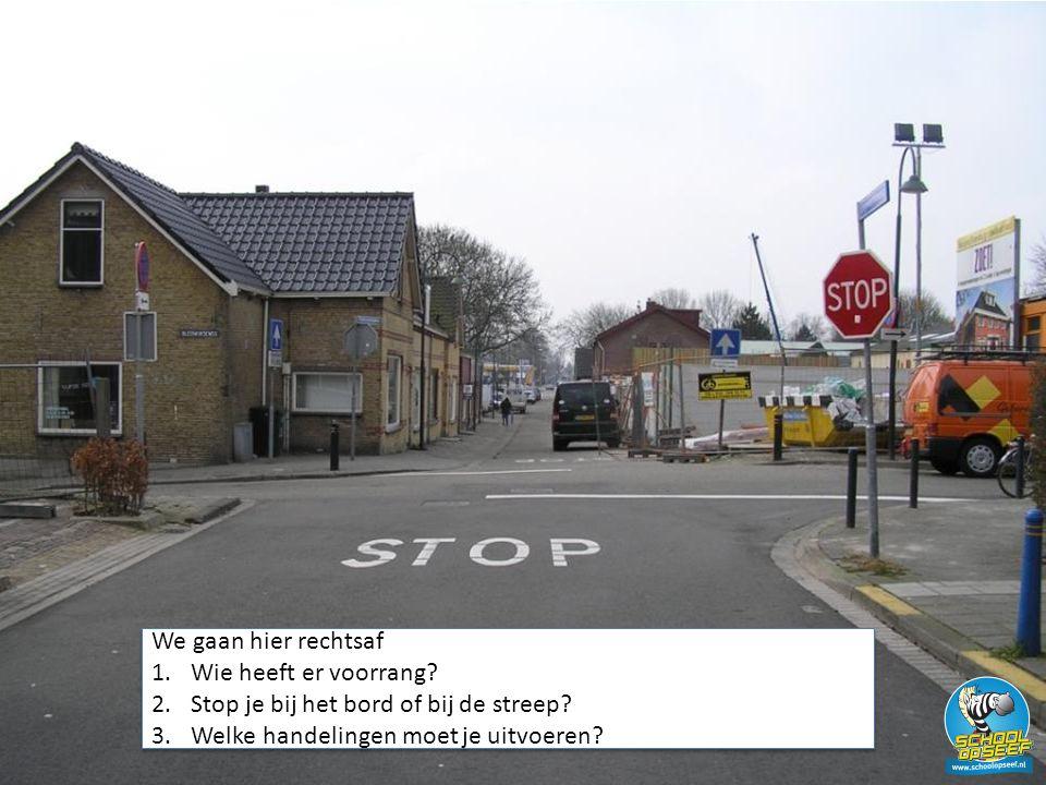 Stop je bij het bord of bij de streep