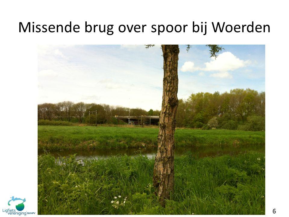 Missende brug over spoor bij Woerden