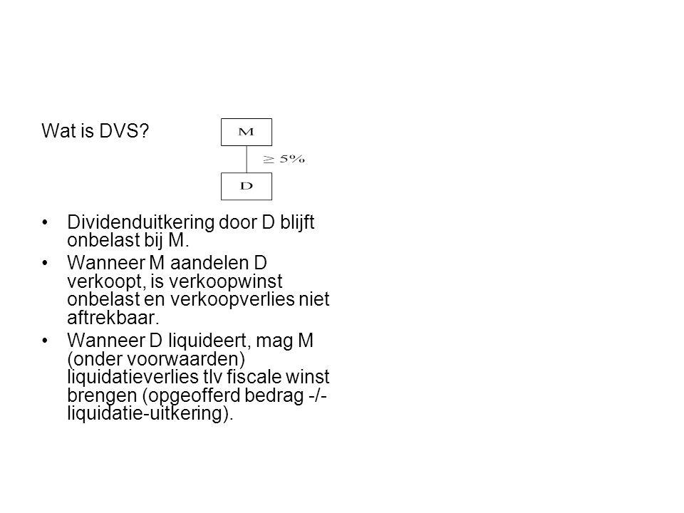 Wat is DVS Dividenduitkering door D blijft onbelast bij M.