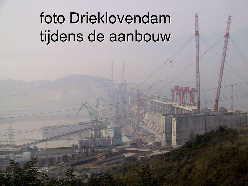 foto Drieklovendam tijdens de aanbouw