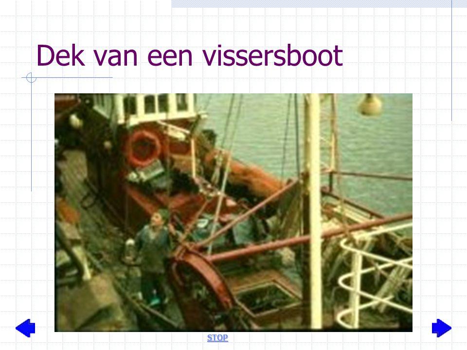 Dek van een vissersboot