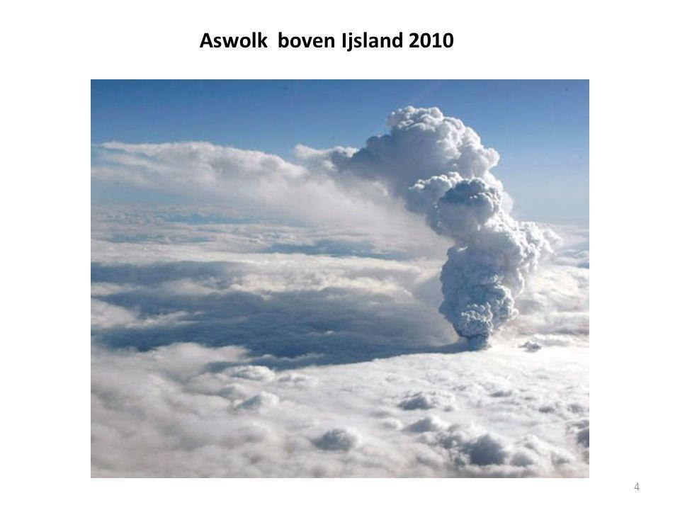 Aswolk boven Ijsland 2010