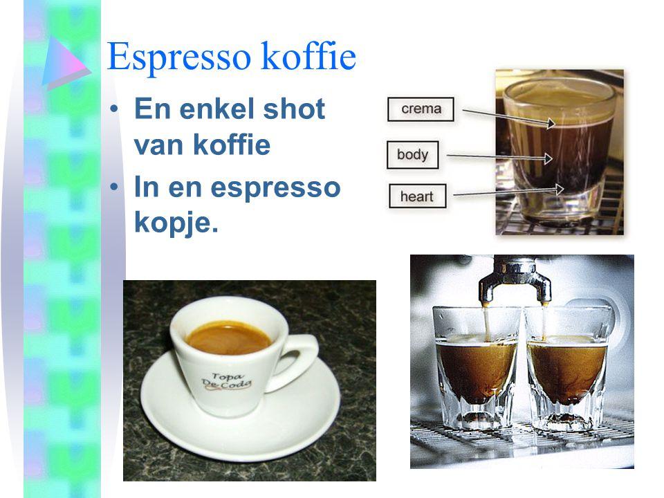 Espresso koffie En enkel shot van koffie In en espresso kopje.