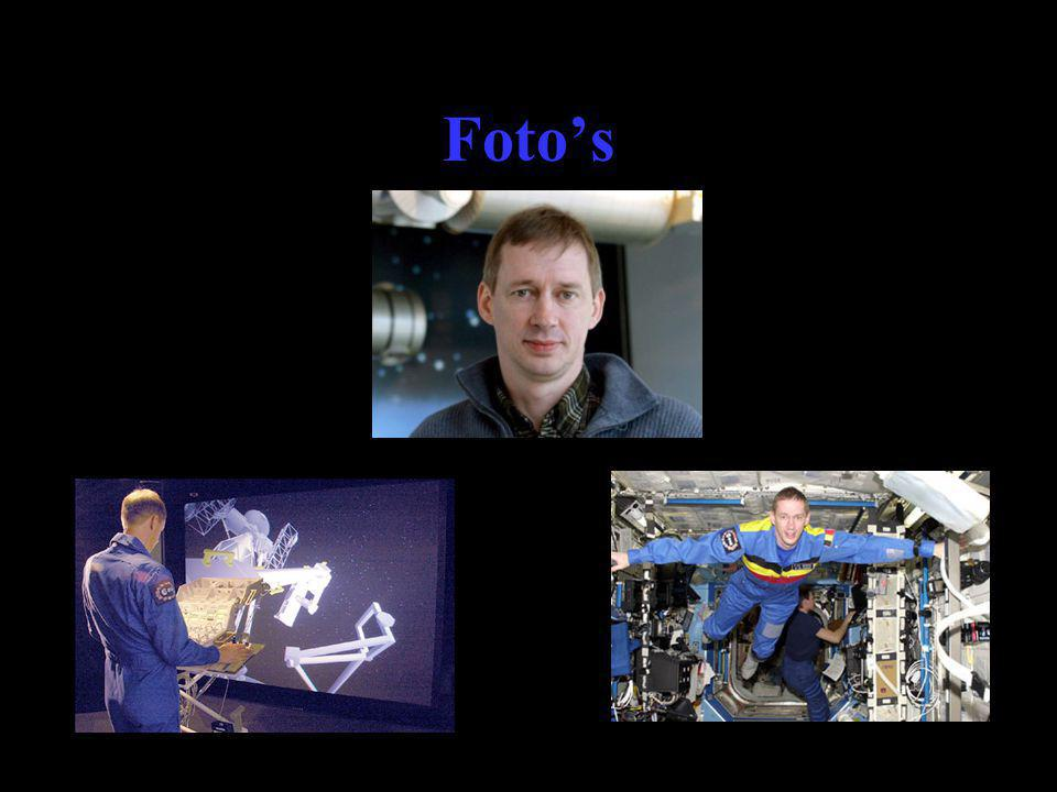 Foto's Belgische astronaut Frank de Winne bedient ERA Mission Preparation and Training Equipment (MPTE)