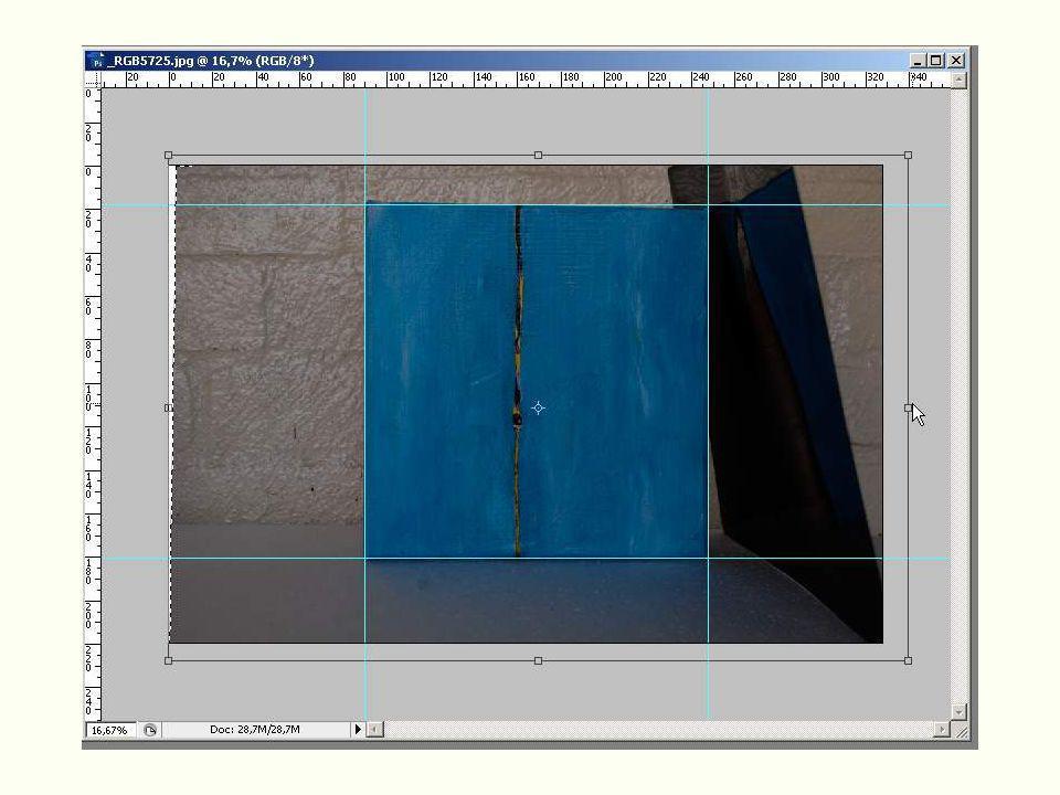 Dan naar edit > transform > scale het beeld weer keurig tussen de lijnen zetten