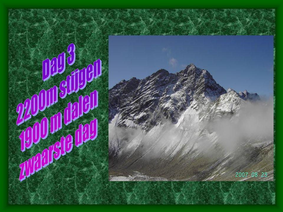 Dag 3 2200m stijgen 1900 m dalen zwaarste dag