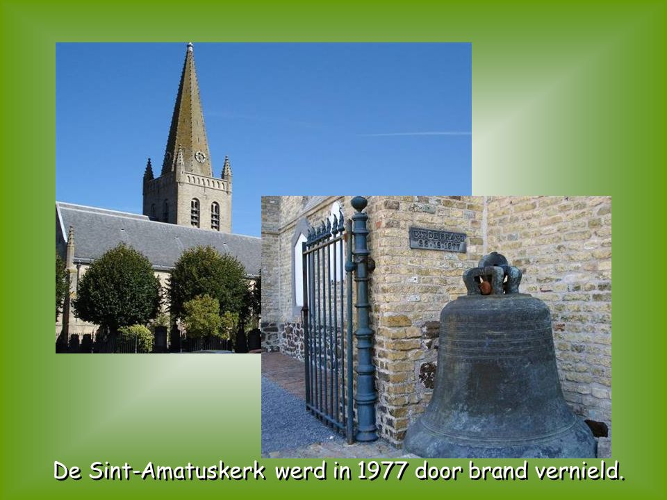 De Sint-Amatuskerk werd in 1977 door brand vernield.