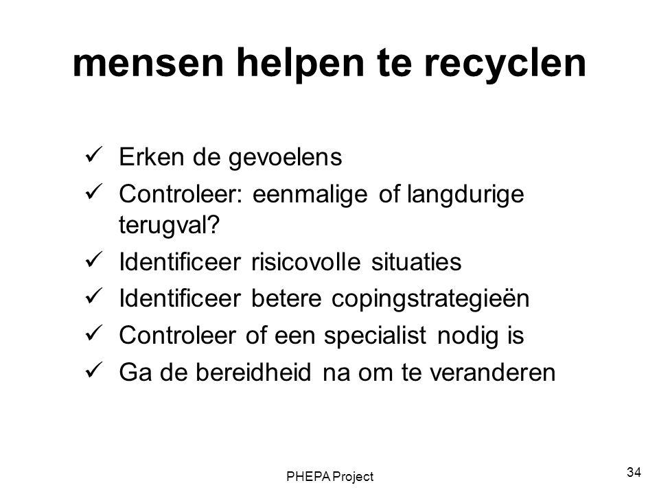 mensen helpen te recyclen