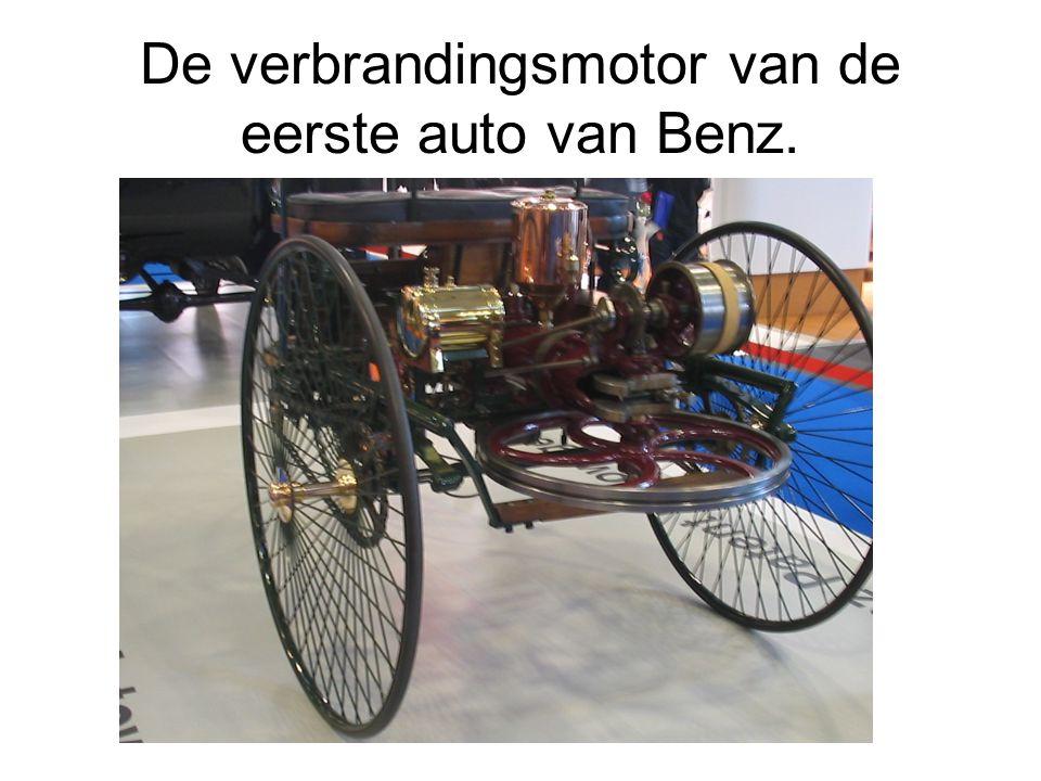 De verbrandingsmotor van de eerste auto van Benz.