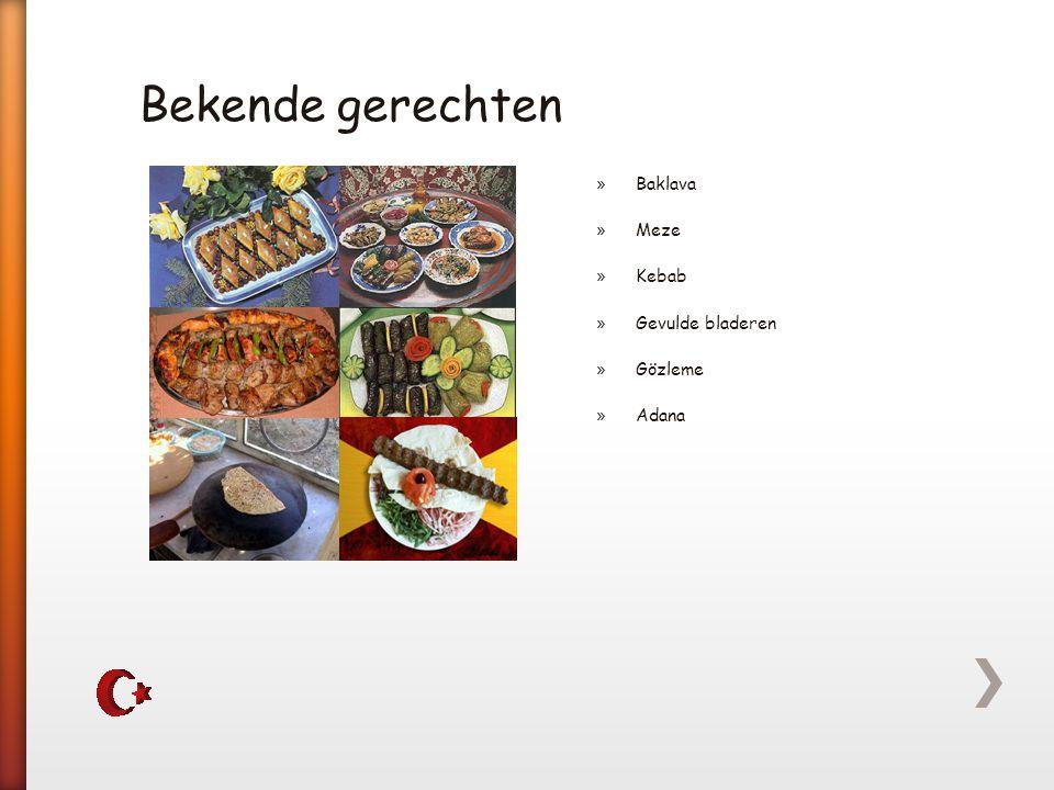 Bekende gerechten Baklava Meze Kebab Gevulde bladeren Gözleme Adana