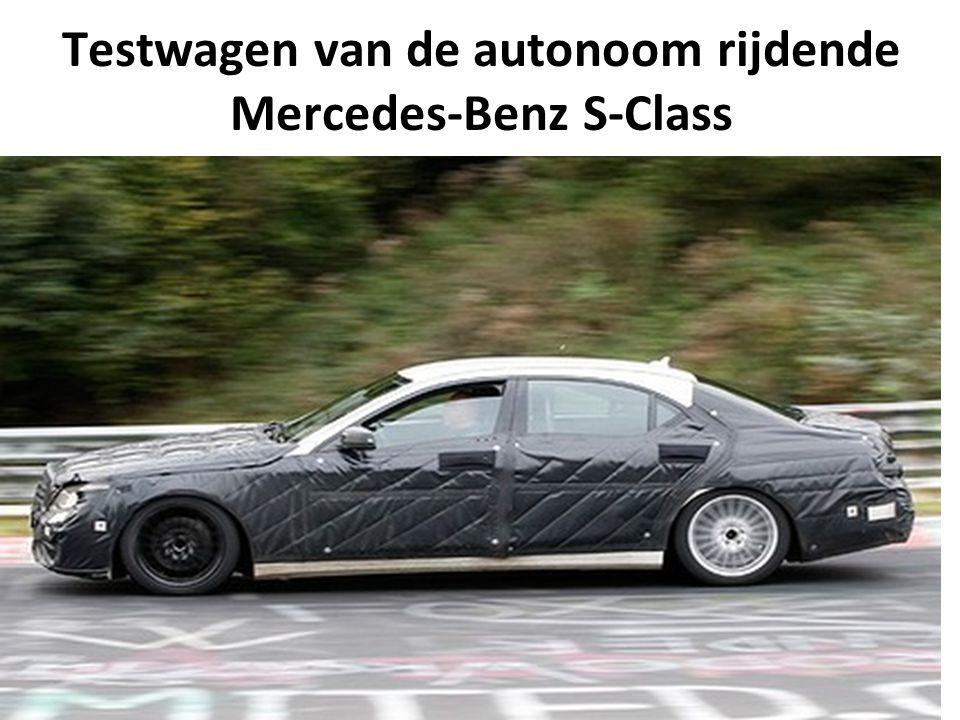Testwagen van de autonoom rijdende Mercedes-Benz S-Class