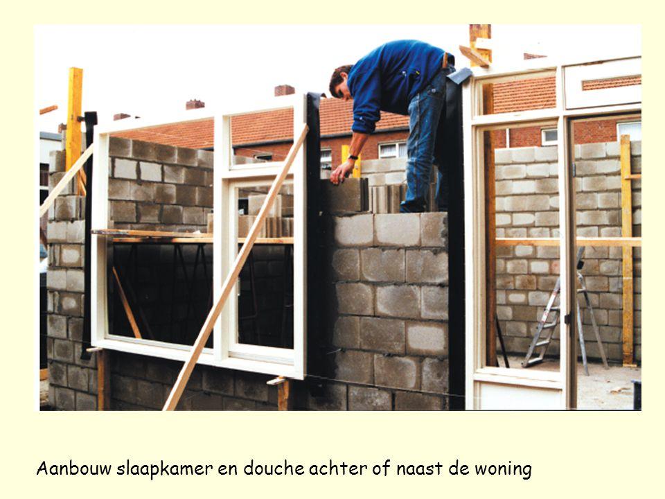 Aanbouw slaapkamer en douche achter of naast de woning