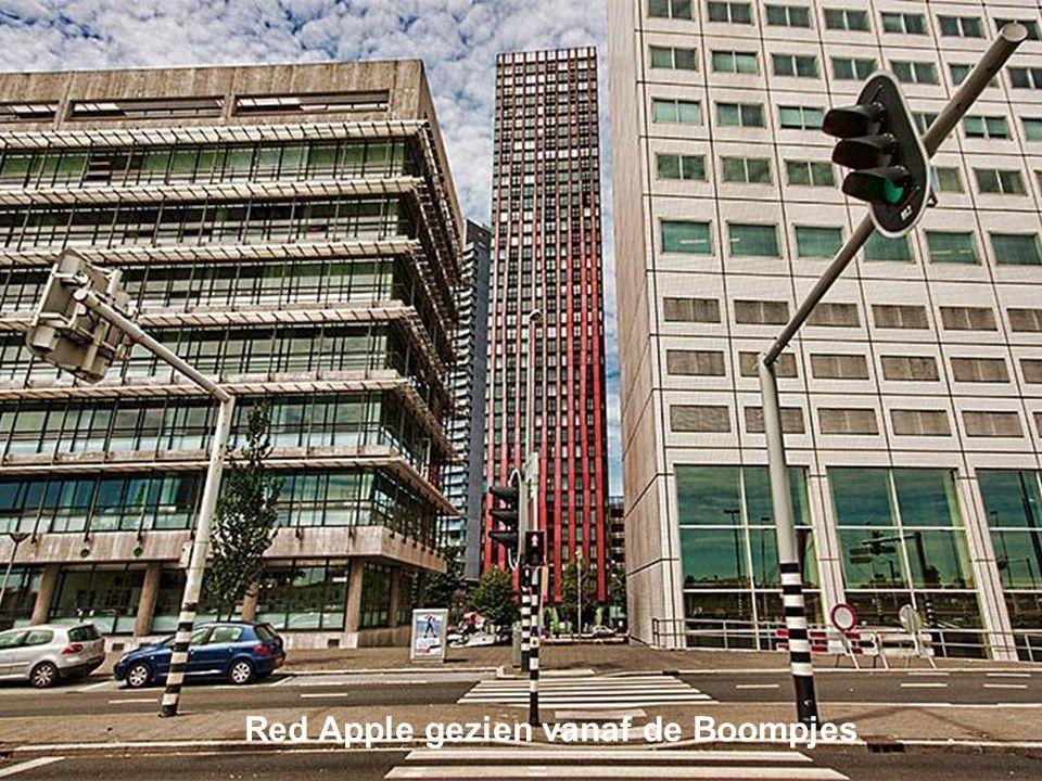 Red Apple gezien vanaf de Boompjes