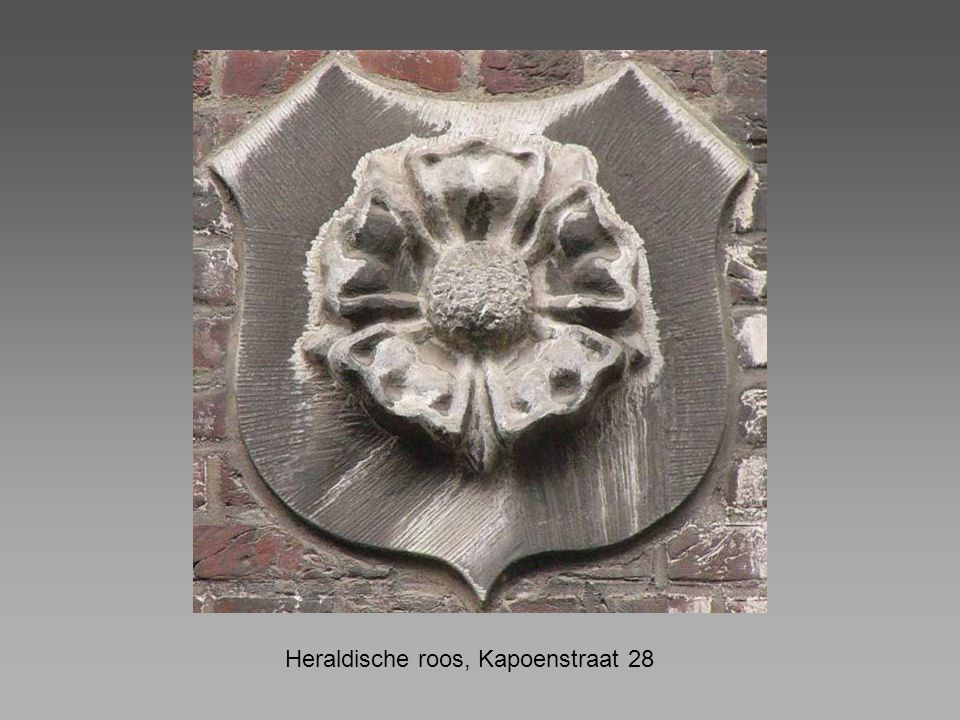 Heraldische roos, Kapoenstraat 28