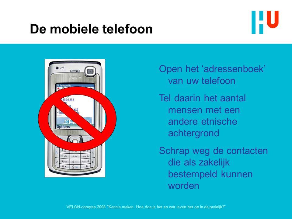 De mobiele telefoon Open het 'adressenboek' van uw telefoon
