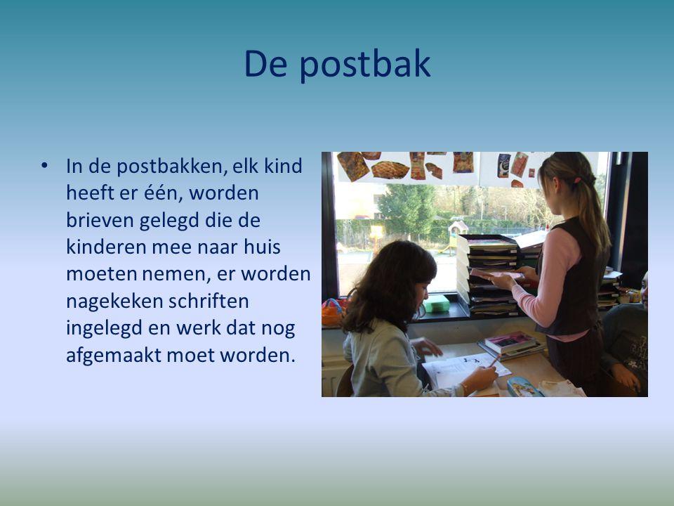 De postbak