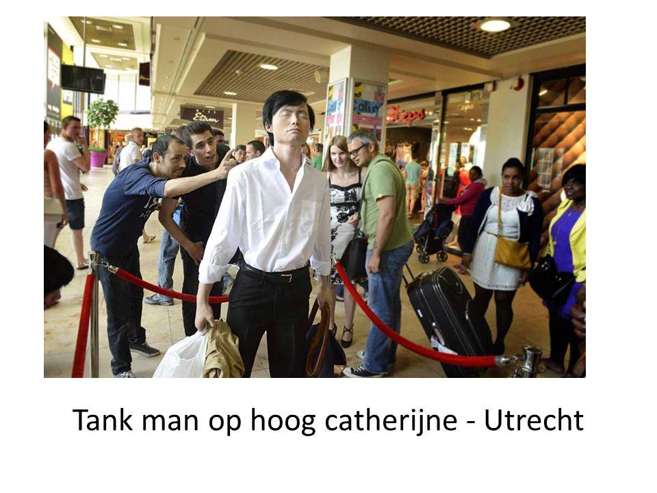 Tank man op hoog catherijne - Utrecht