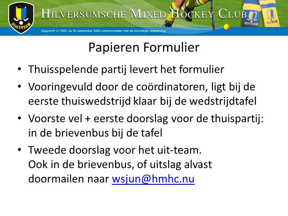 Papieren Formulier Thuisspelende partij levert het formulier