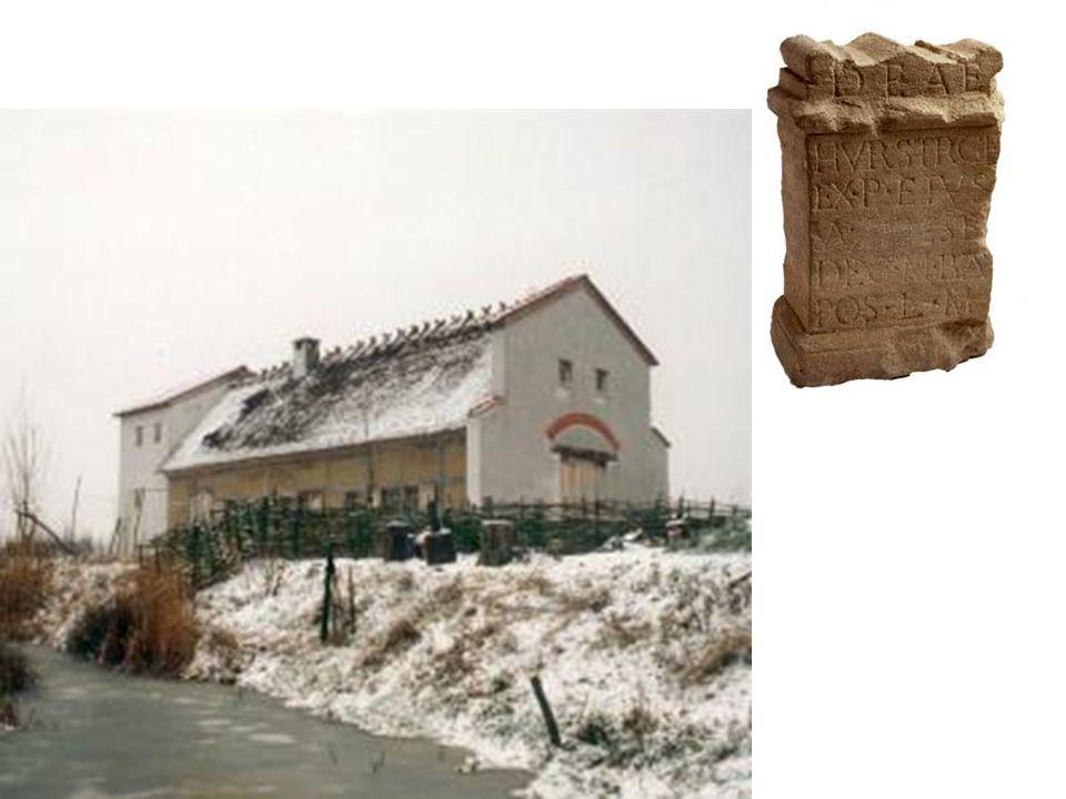 boven: Een in Romeinse stijl gemaakt altaar met een Latijnse tekst gewijd aan de Germaanse godin Hurstgre.