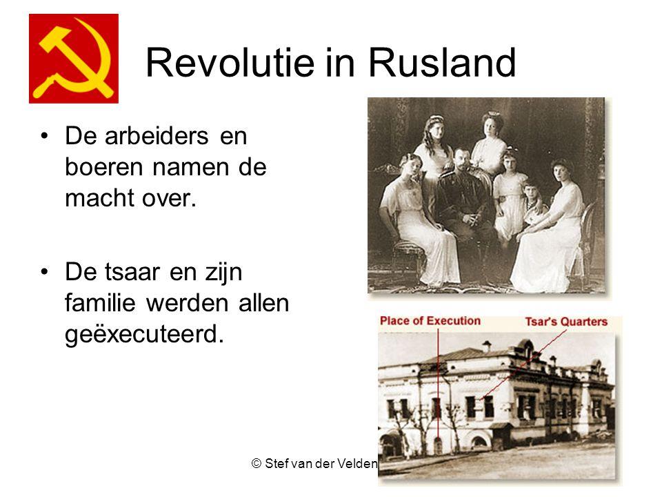 Revolutie in Rusland De arbeiders en boeren namen de macht over.